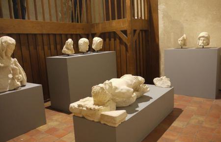 8 ans de restauration : la Mise au tombeau du Christ revient au Musée-château